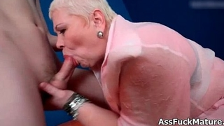 Fat old mature lady loves sucking young