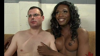 Black tranny examines and fingeres and fucks ass of white bloke in gyno chair
