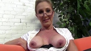 Sexy Cougar Jenna Covelli seduces two big black cock studs